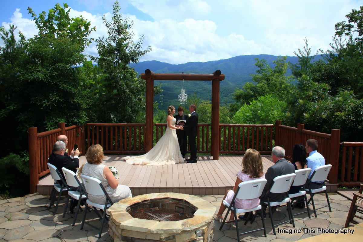 Smoky mtn wedding